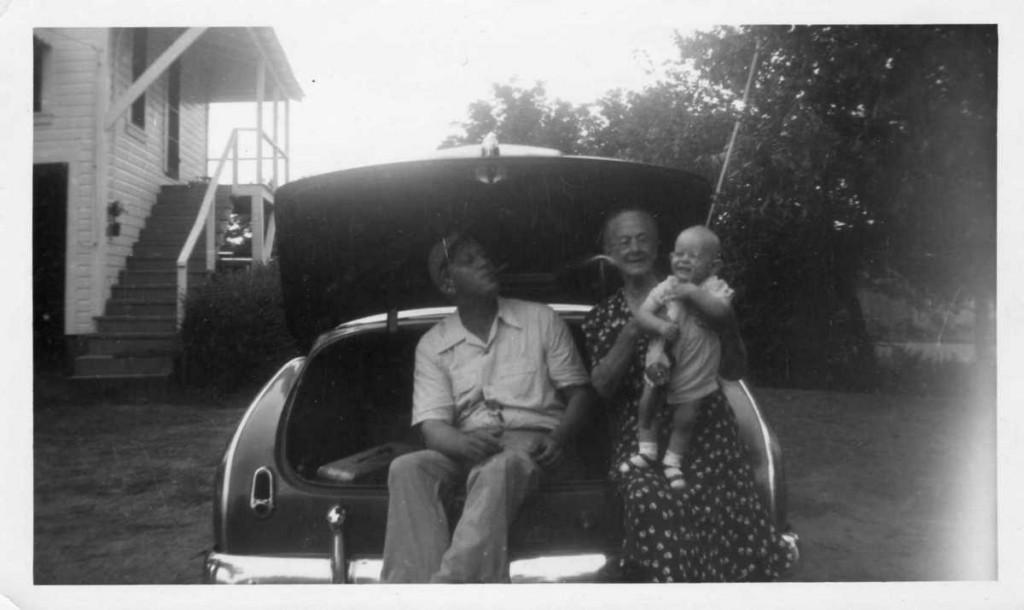 Edith, Joe (Big Daddy), and James E. Jr.