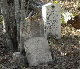 tombstones_closeup